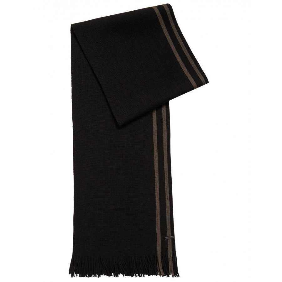 58e84b0be283 Écharpe Boss Black vert foncé en laine vierge douce et confortable, frangé  aux extrémités plaque